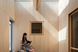 An ultra-minimal Asian sunroom design for an urbane home
