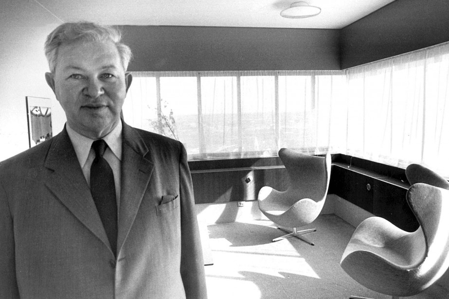 Arne Jacobsen and his Egg chairs