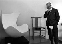 Arne-Jacobsen-and-the-Egg-chair-shell-217x155