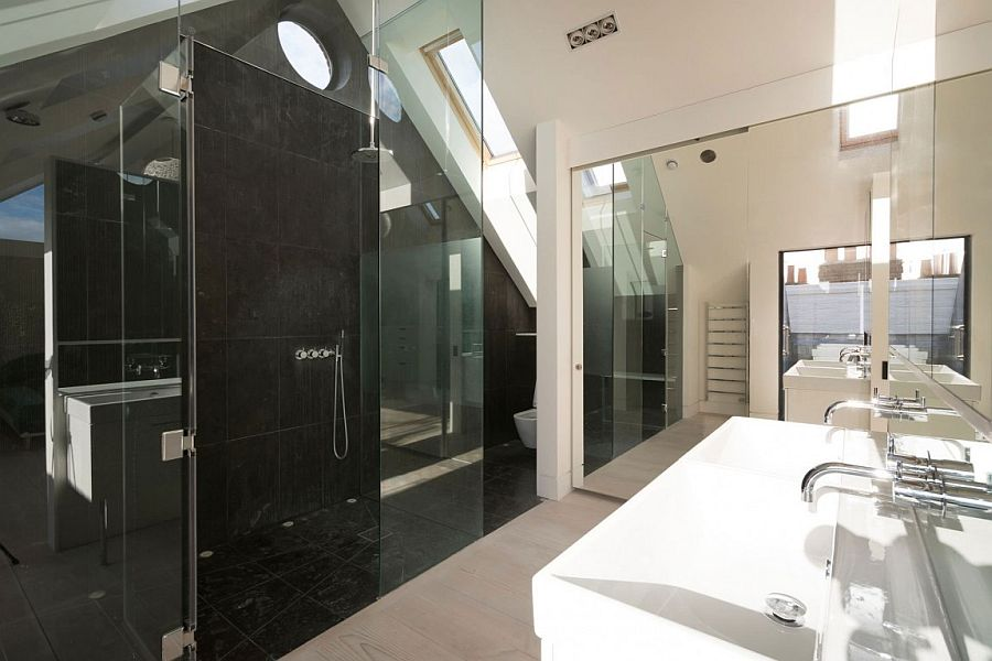 Black and white master bathroom idea