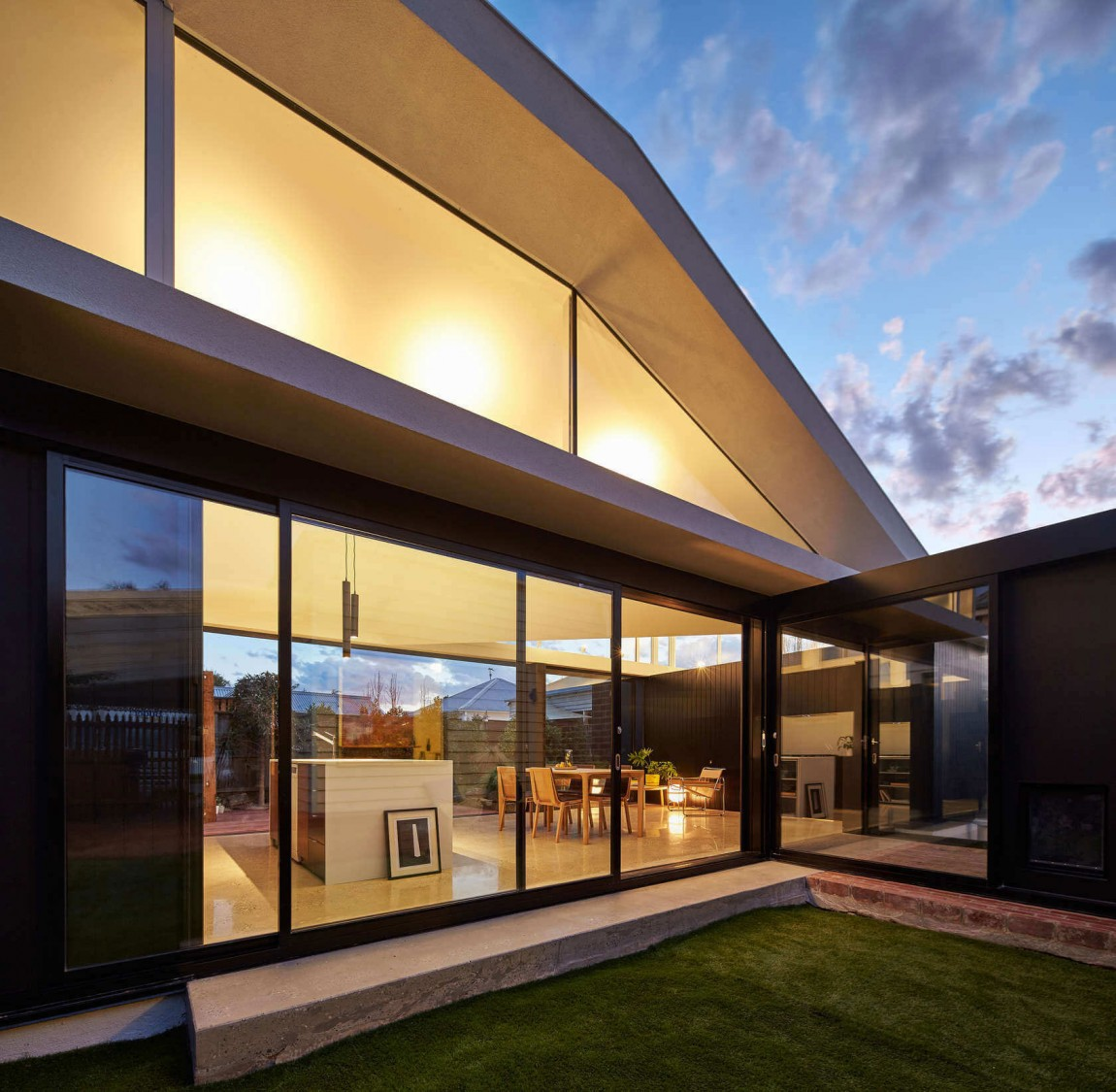 Cheerful modern extension of double fronted cottage in Hawthorn