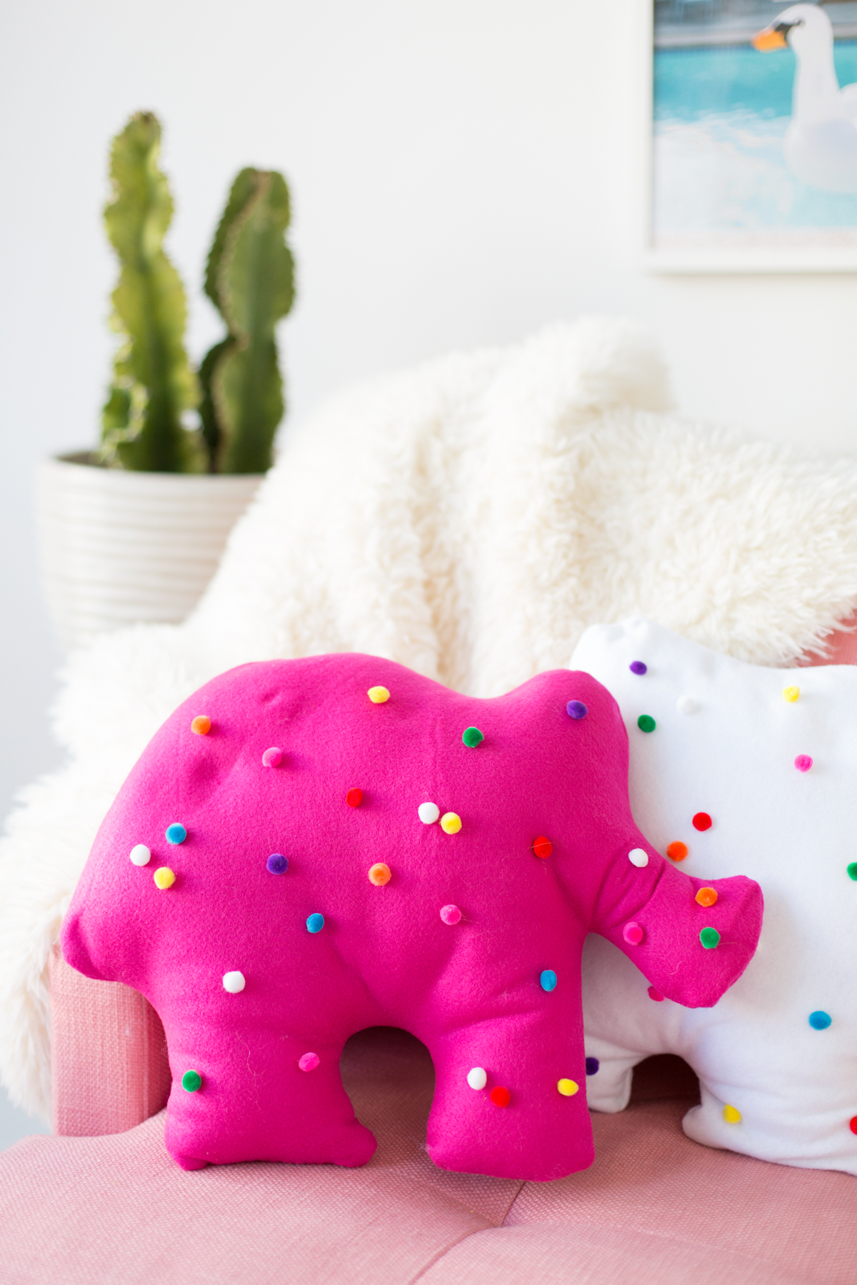 Circus animal cookie pillows from Studio DIY