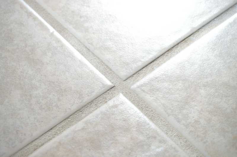 How to clean a non slip bathtub for How do you clean white grout