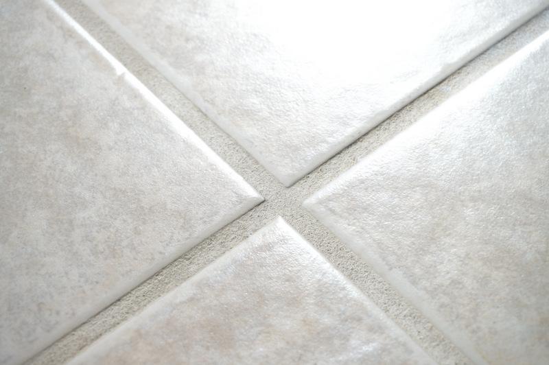 how to clean a non slip bathtub. Black Bedroom Furniture Sets. Home Design Ideas