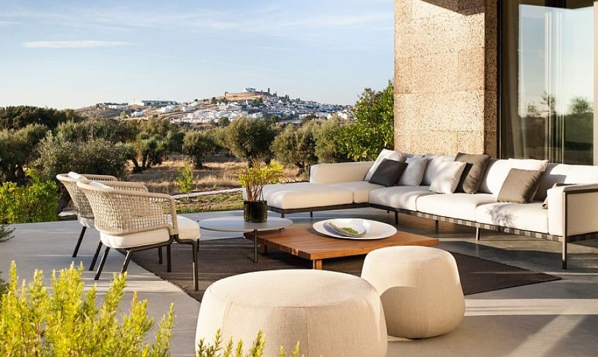 Contour: Outdoor Décor Collection Fuses Effortless Form with Durable Design