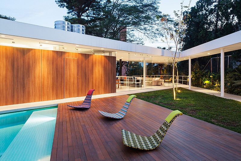Contemporary poolside retreat with fabulous lighting