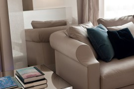 Contemporary sofa in variable-density polyurethane foam