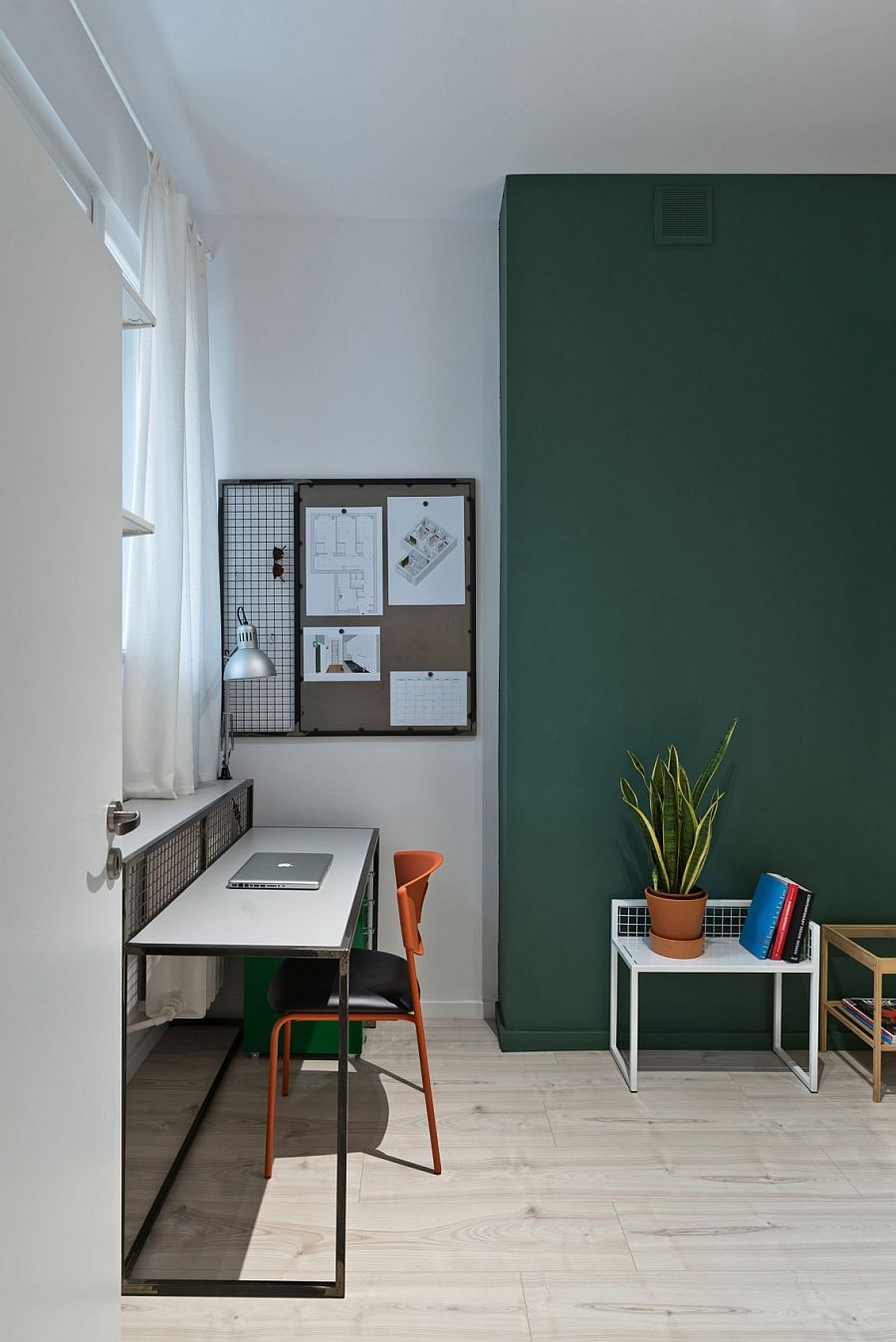 Corner workspace idea for small, urban apartments