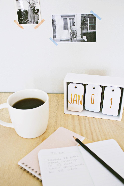 DIY flip calendar from Handmade by Carmona
