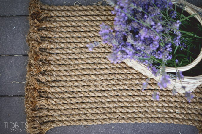 DIY rope rug from TIDBITS
