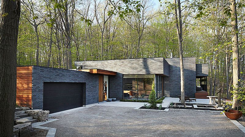 Dark brick exterior and spacious pavilion at the Fallsview Residence in Canada