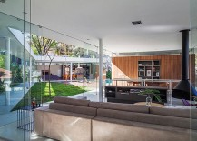 Design-of-the-home-allows-you-to-enjoy-a-central-family-zone-217x155
