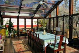 Fabulous Asian sunroom that is all about glass