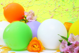 Floral and balloon decor from Mirror80