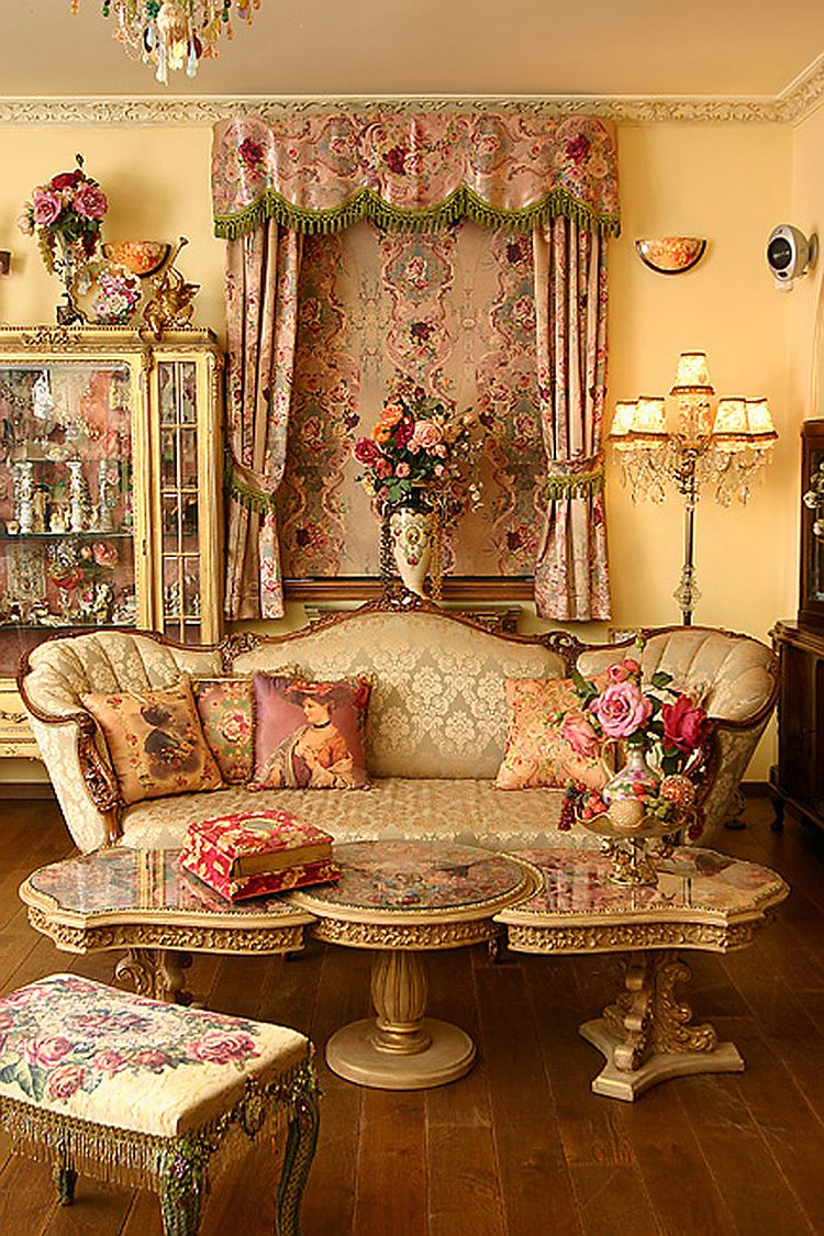 Flowery patterns are perfect for the busy, Victorian living space [Photography: Elad Gonen]