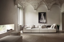 Gorgeous Bolero in a modern Venetian setting