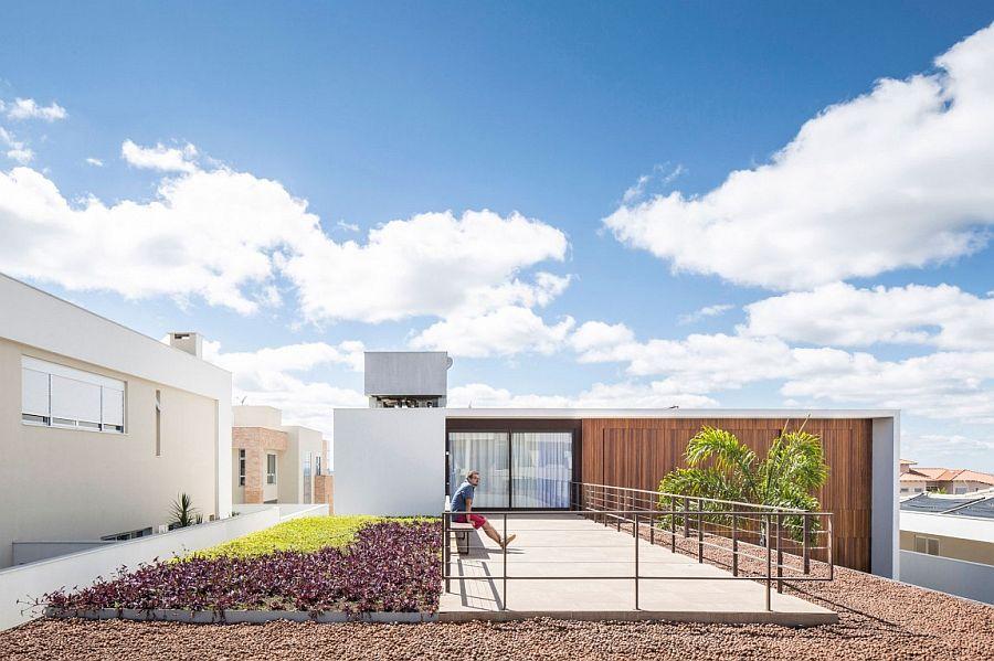 Gorgeous garden terrace at Casa R&D