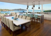 Home-design-that-blurs-the-line-between-the-interior-and-the-view-outside-217x155