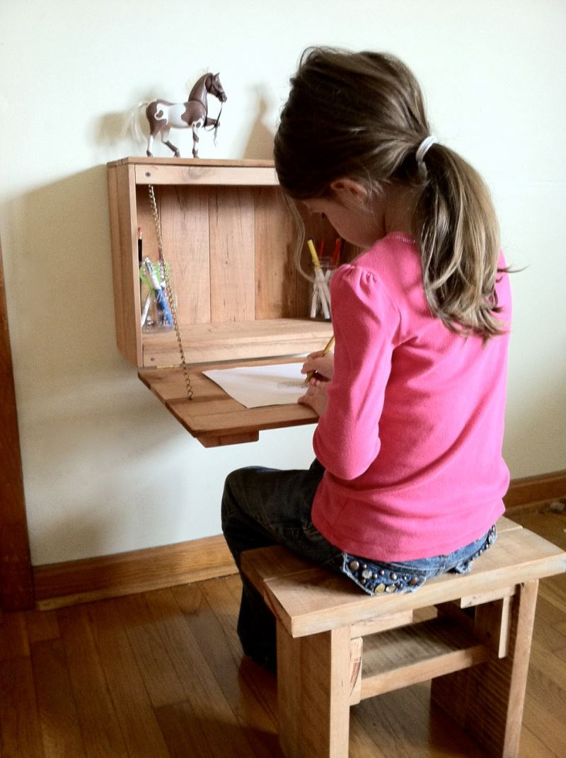 Kids' fold-down desk from Etsy shop Kentucky Reclaimed