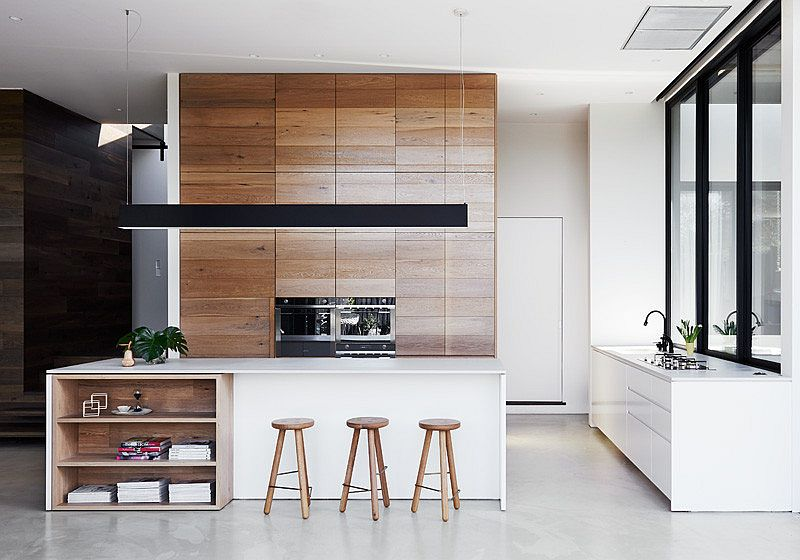 Light oak ushers in warmth into the contemporary kitchen