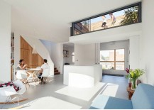 Lowered and glazed roof terrace also brings in ample natural light 217x155 Urban Green Space: Lowered Rooftop Garden Enlivens Modern London Home