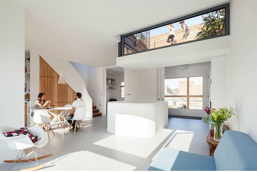 Lowered and glazed roof terrace also brings in ample natural light