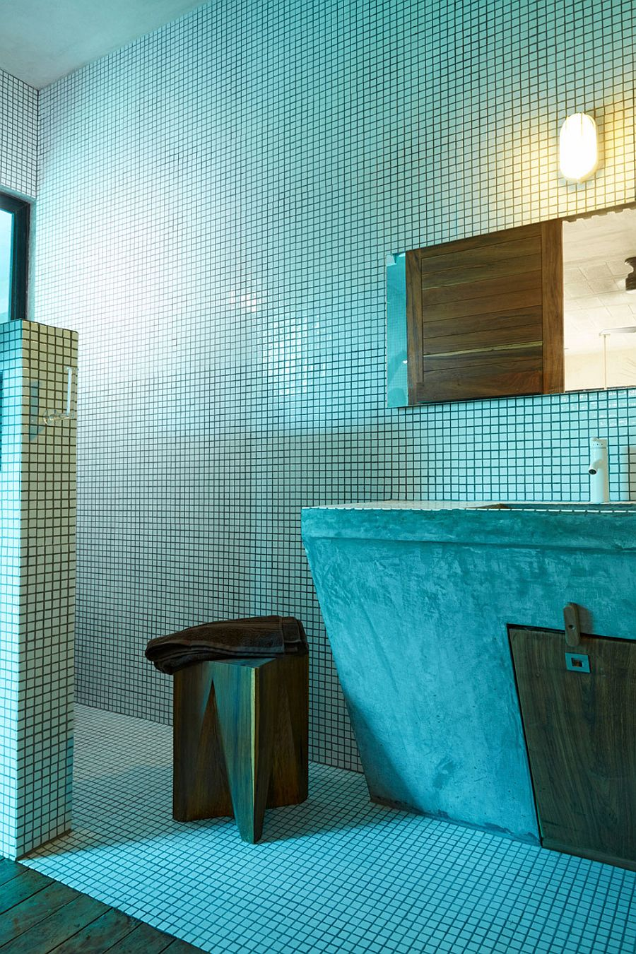 Modern bathroom in relaxing blue