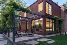 Cor-Ten Steel Structure Gives Georgian Revival Home a Modern Facelift