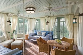 Natural materials always work well in the beach style sunroom