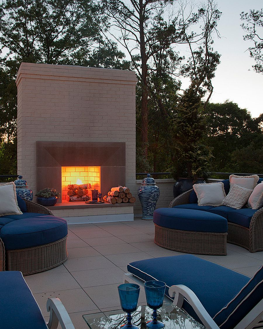 Outdoor decor brings a dash of blue to the patio