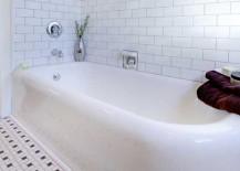 Resurfacing the bathtub