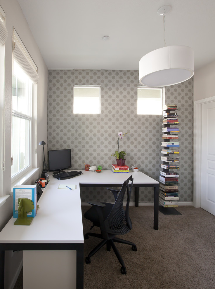Right chair and desk can make a big difference in the home office [Design: Joy Street Design]