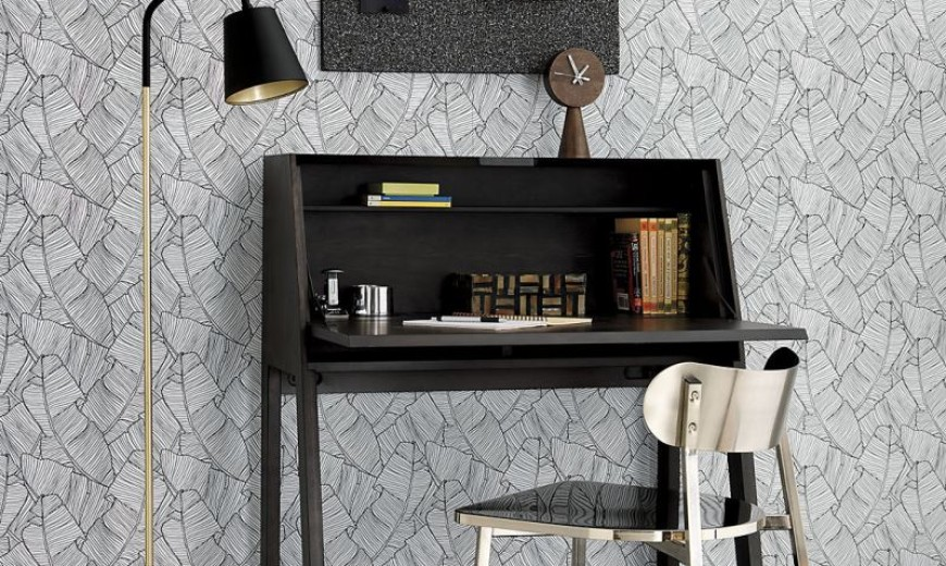 20 Space-Saving Fold-Down Desks