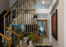 Small-indoor-garden-feature-with-a-light-well-above-creates-a-refreshing-ambiance-indoors-217x155