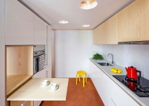 Smart-kitchen-deisgn-for-a-small-apartment-acts-as-a-distinct-standalone-cabin-space-217x155