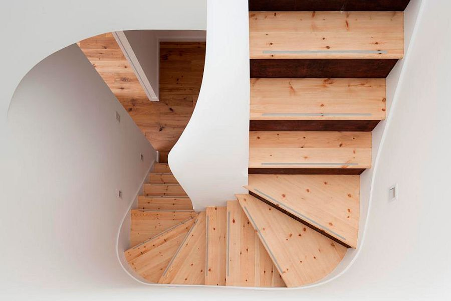 Space-saving wooden staircase design for the contemporary home
