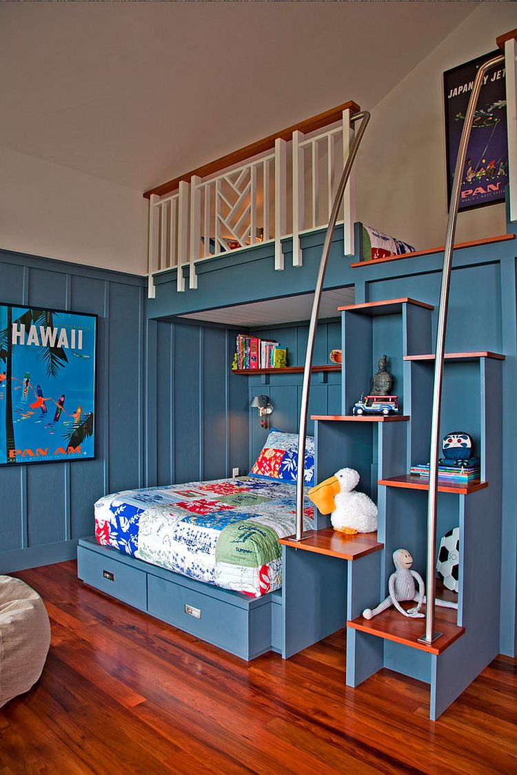 Staggered steps also double as cool shelving in the tropical kids' bedroom [Design: De Jesus Architecture & Design]