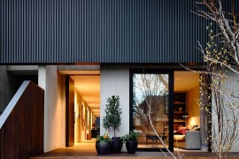 Elwood Townhouse: Refined Modern Home and Yoga Studio Rolled into One