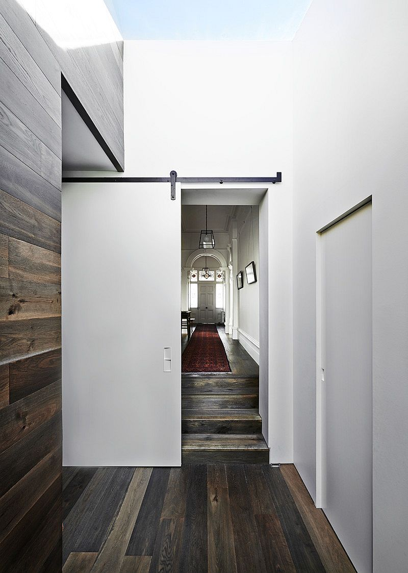 Striking timber floor and skylight draw your atterntion instantly