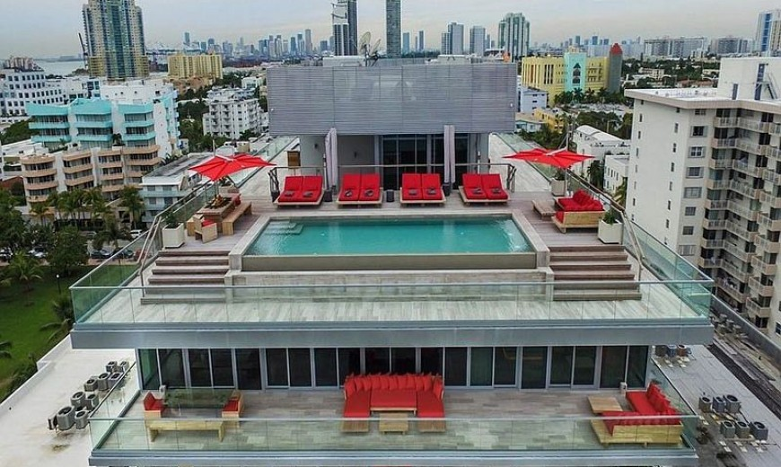 Oceanside Opulence: Step into This Luxurious Two-Story Penthouse in Miami!