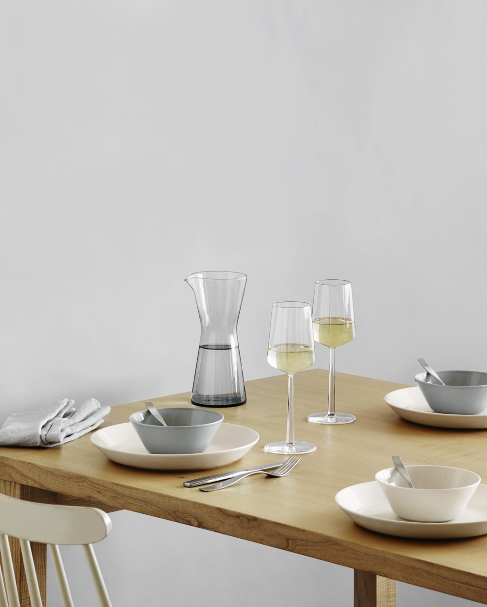 Teema and Kartio with Essence white wine glasses