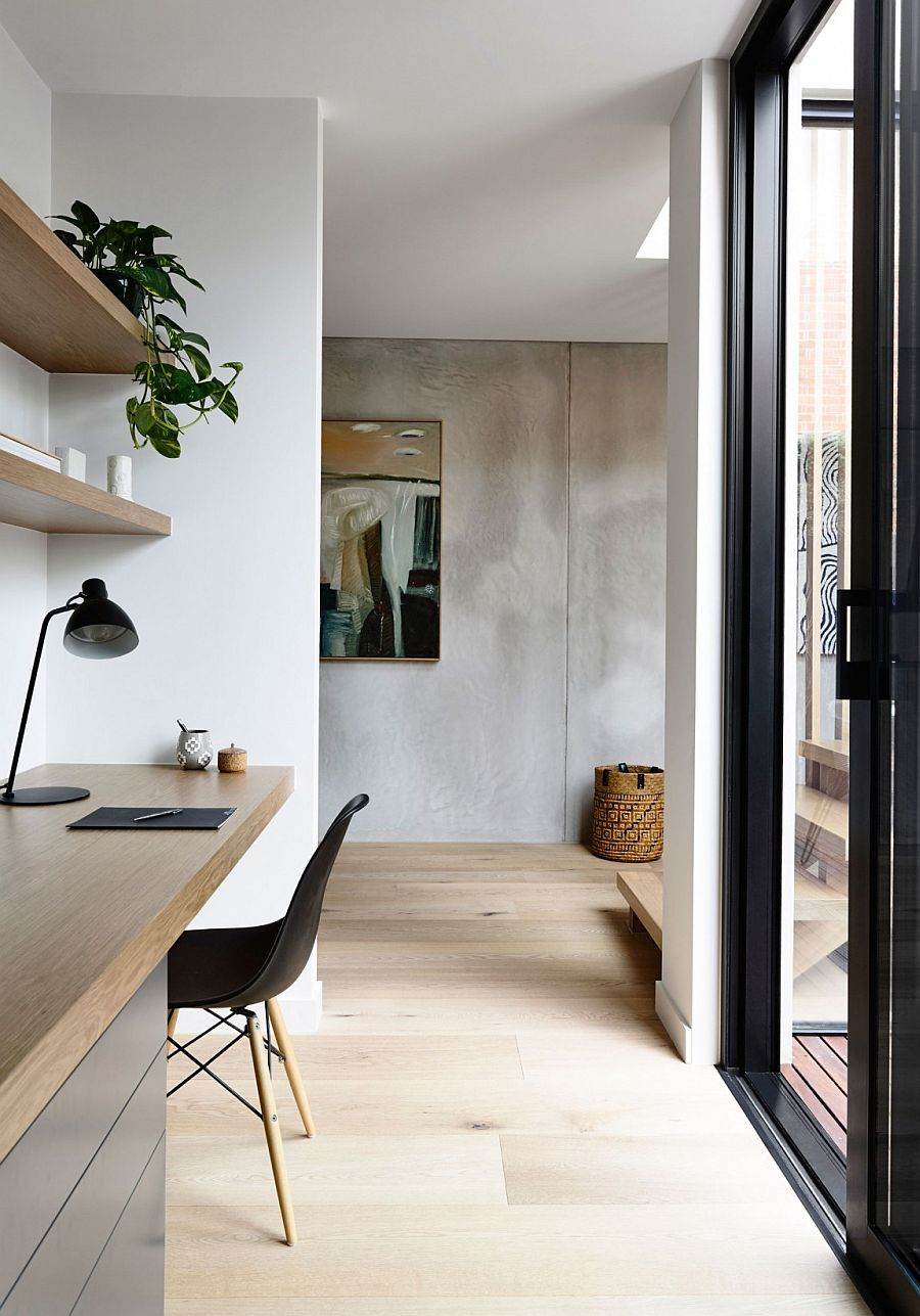 Turn the corridor or hallway into home workspace