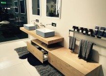 Bathroom storage units and vanity in wood that paint a harmonious picture