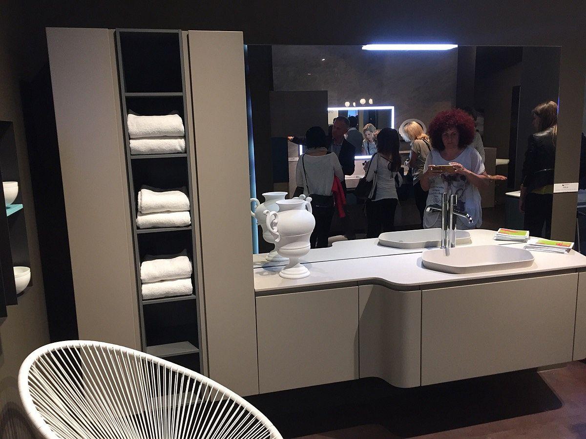Bathroom vanity and storage unit by Archeda