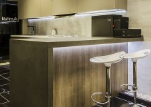 Classy-contemporary-kitchen-with-brilliant-lighting-217x155