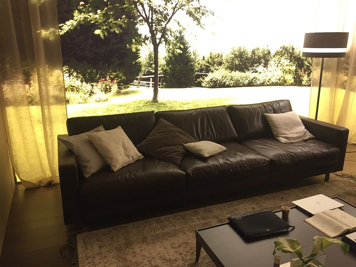 Comfy leather couch from Chateau d'Ax - Salone del Mobile 2016