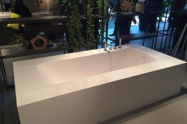Contemporary bathtub in white from IDEAGROUP Bathrooms at Salone del Mobile 2016