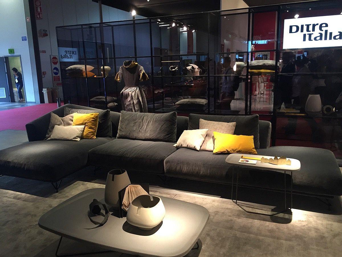 Designwear sofa systems from Ditre Italia