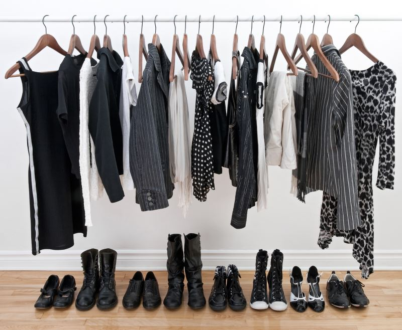 Displaying your capsule wardrobe