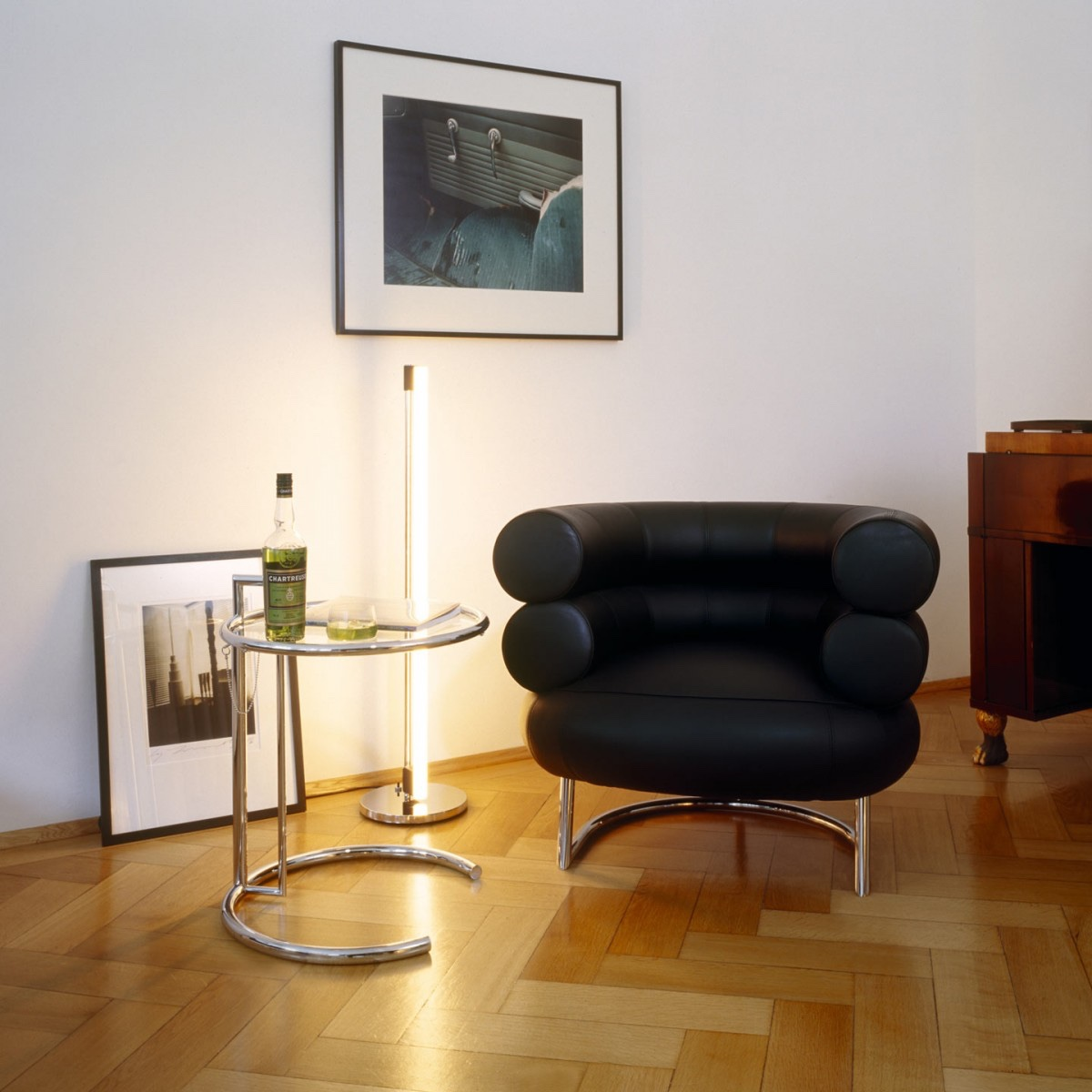 E1027 table and Bibendum chair